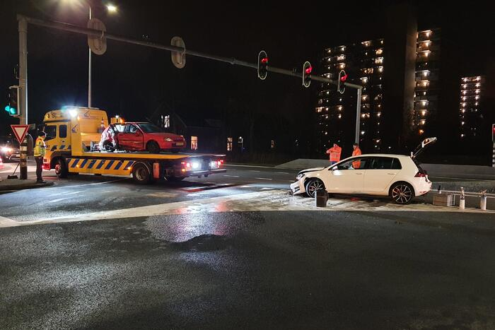 Auto vol lachgasflessen betrokken bij ongeval