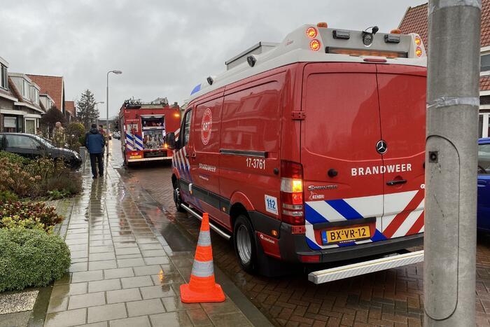 Brandweer doet onderzoek naar benzinelucht