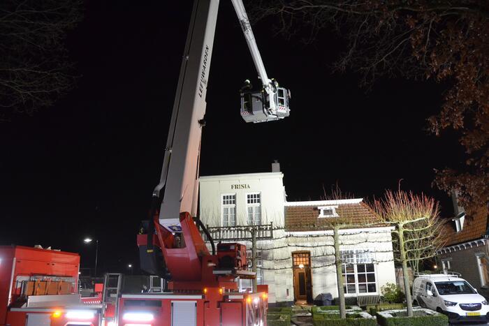 Brandweer doet onderzoek naar schoorsteenbrand