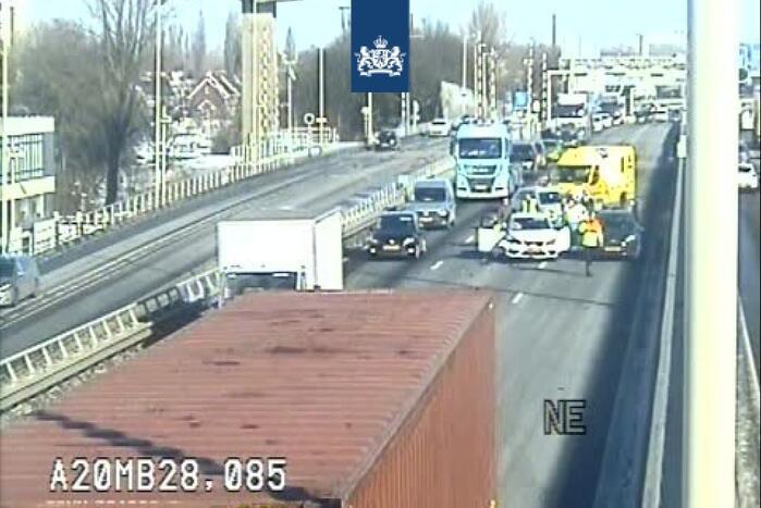Ongeval meerdere voertuigen Giessenbrug