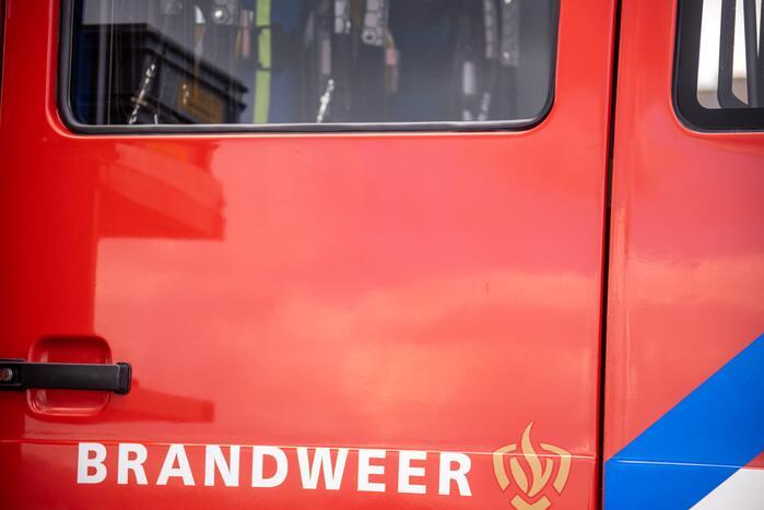 Gehandicapte man in rolstoel bij brandweerkazerne achtergelaten