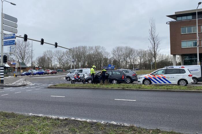 Automobilist klemgereden door politie