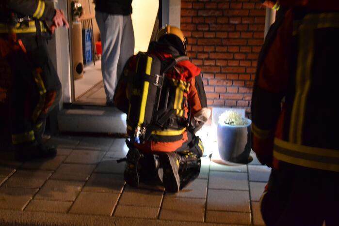 Brandweer verricht metingen na gaslucht