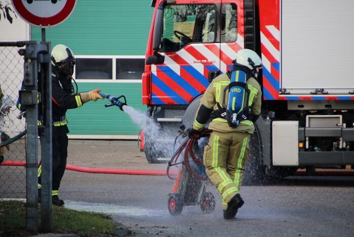 Gasfles in brand bij Phoenix Pallets