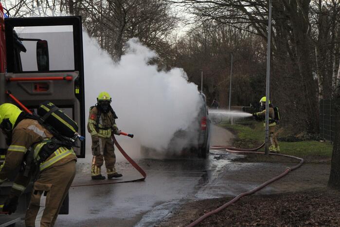 Veel schade na autobrand