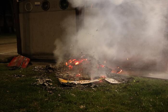 Papier in brand na brandstichting