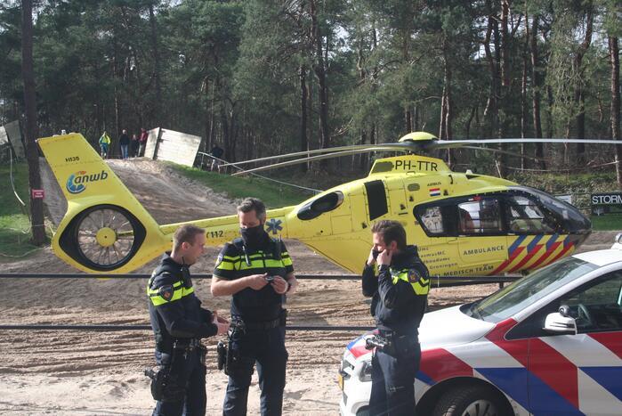 Motorcrosser zwaargewond na val