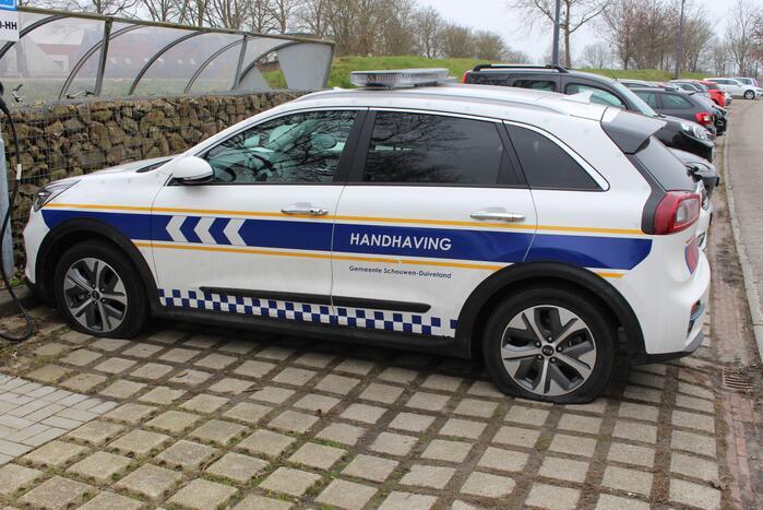 Banden voertuigen handhaving lekgestoken