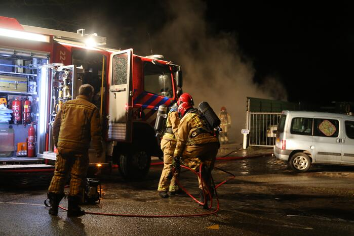 Vrachtwagencabine verwoest door brand