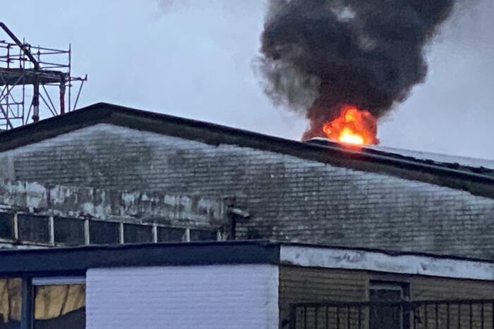 Uitslaande brand in leegstaand bedrijfspand