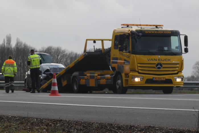 File na aanrijding tussen drie voertuigen