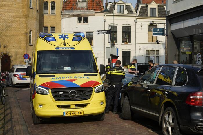 Persoon gewond bij steekpartij in winkelstraat