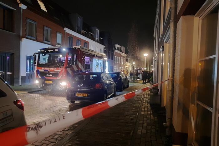 Meerdere appartementen ontruimd door brand, twee personen aangehouden