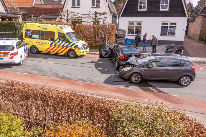 Gewonde en ravage door verkeersongeval