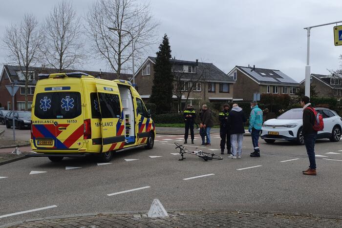 Wielrenner gewond door aanrijding met personenauto