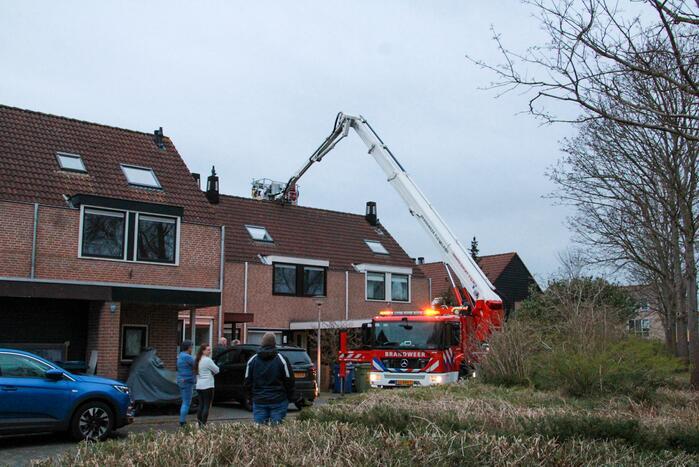 Schoorsteenbrand geblust door brandweer