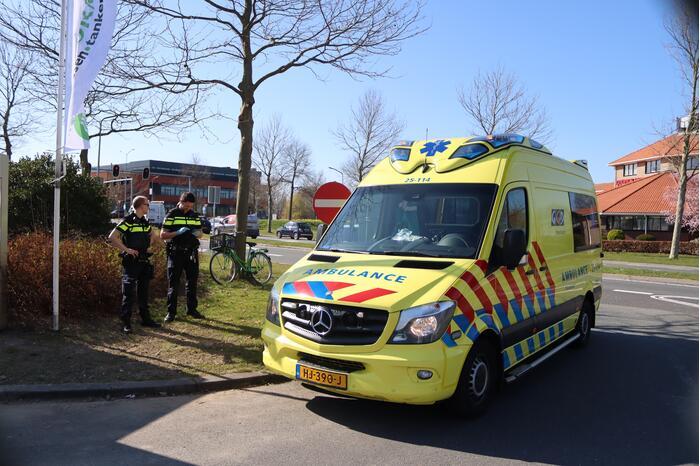 Persoon op fiets gewond na val