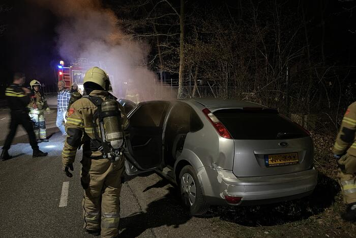 Man opgepakt na brand in auto