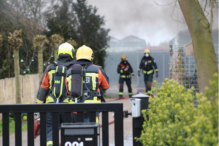 Brand in vrijstaande garageboxen