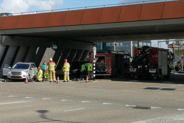 Twee auto's betrokken bij ongeluk op kruising