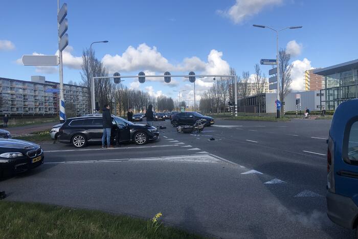 Ongeval tussen auto en motor