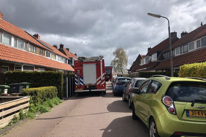 Brandweer onderzoekt penetrante lucht in woning