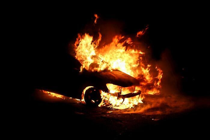Gewonde bij brand in meerdere voertuigen