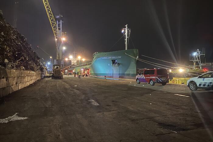 Schroot vat vlam in ruim van schip