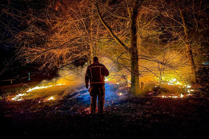 Stuk heide gaat in vlammen op