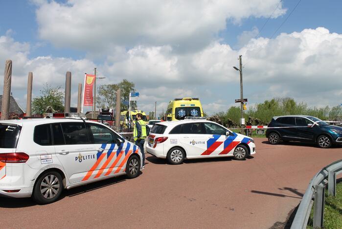 Brommerrijder zwaargewond bij verkeersongeval op kruising
