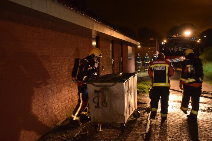 Container vliegt in brand