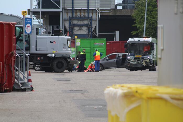 Persoon gewond door incident op terrein van HVC Afvalbrengstation