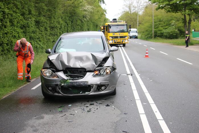 Ongeval tussen drie voertuigen