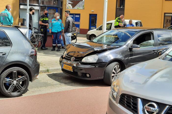 Schade bij ongeval tussen twee voertuigen
