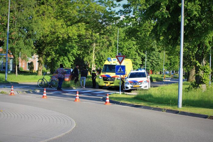 Automobilist rijdt door na ongeval met fietser