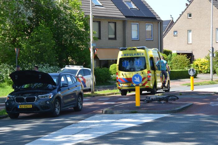 Fietser gewond bij ongeluk met personenauto