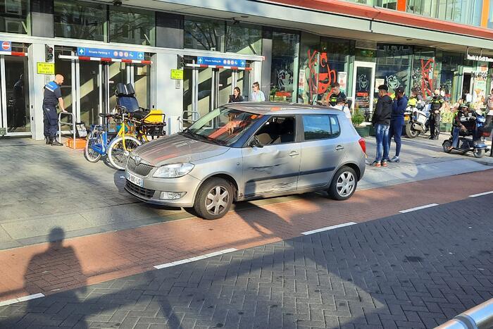 Persoon gewond bij ongeval met auto