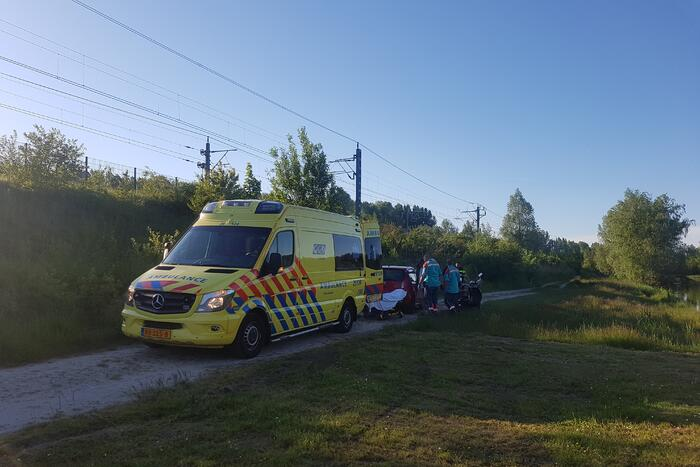 Persoon gewond na val met scooter