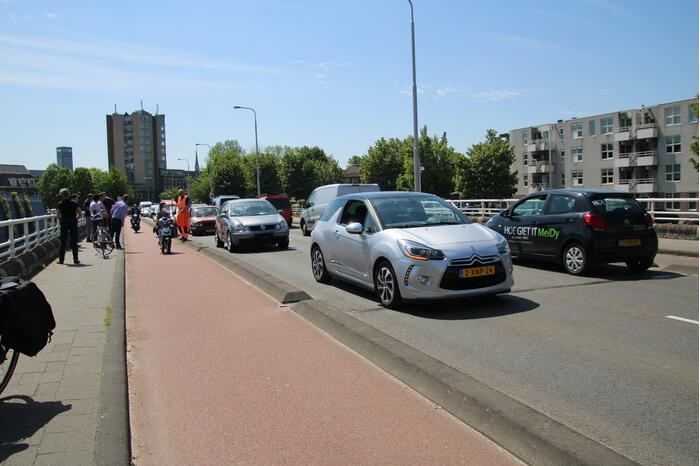 Flinke verkeersopstopping na kop-staartbotsing