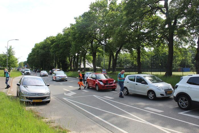 Drie auto's betrokken bij kettingbotsing