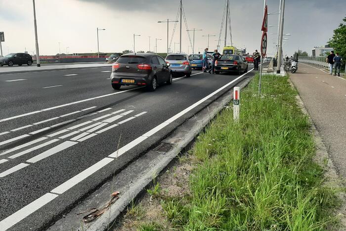Kettingbotsing tussen vier personenauto's