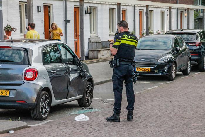 Personenauto fors beschadig na ongeval