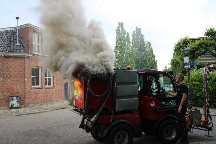 Voertuig afvalverwerker Omrin vat vlam