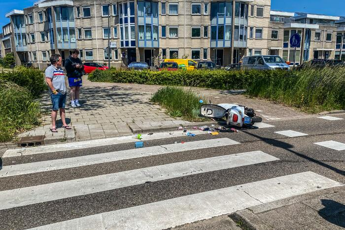 Scooter aangereden door personenauto
