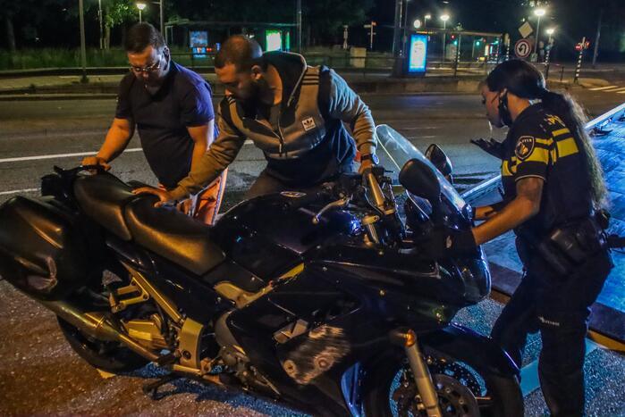 Motorrijder gewond na ongeval met voertuig