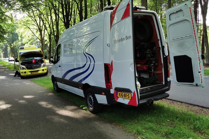 Ambulance krijgt pech tijdens spoedrit