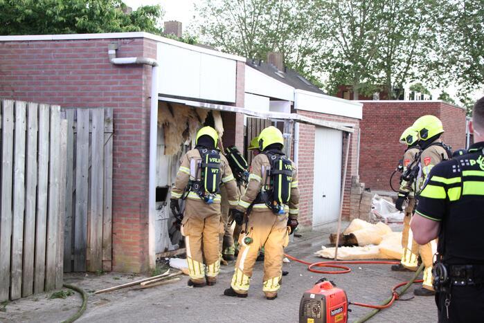 Veel rookontwikkeling bij brand in garagebox