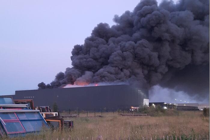 Zeer grote brand in recyclebedrijf