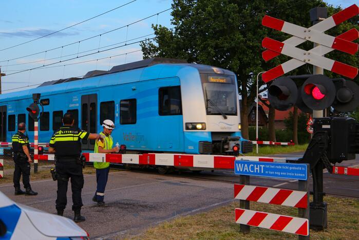 Spoorbomen van spoorwegovergang gaan niet meer open door storing