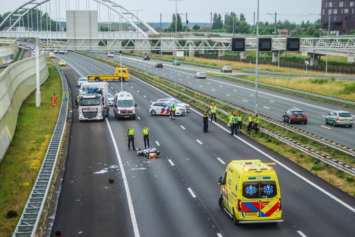 Motorrijder overleden bij ongeval op snelweg